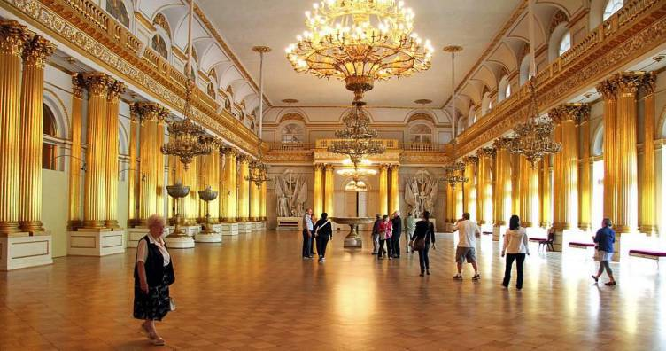 Small Group Hermitage Museum Tour with Skip-The-Line